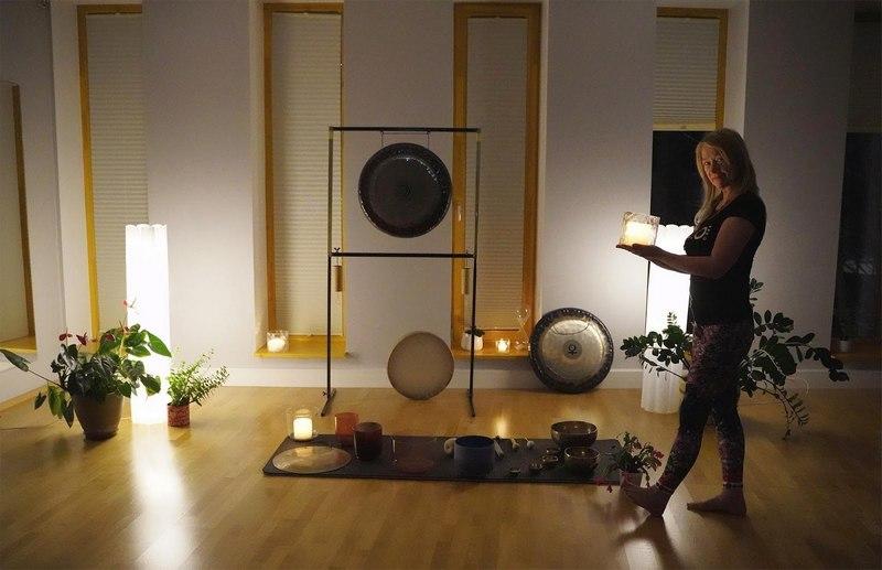 Heliteraapia gongide ja helikaussidega